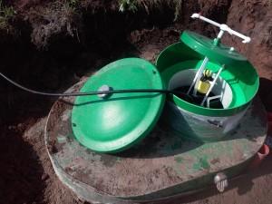 заполнение водой автономного септика Альта-био 5 лоу для высоких грунтовых вод